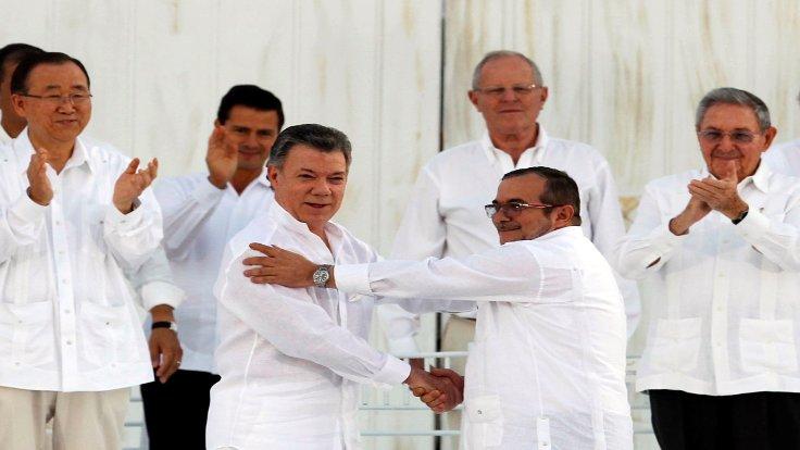 Kolombiya Devlet Başkanı Manuel Santos'a ile ilgili görsel sonucu