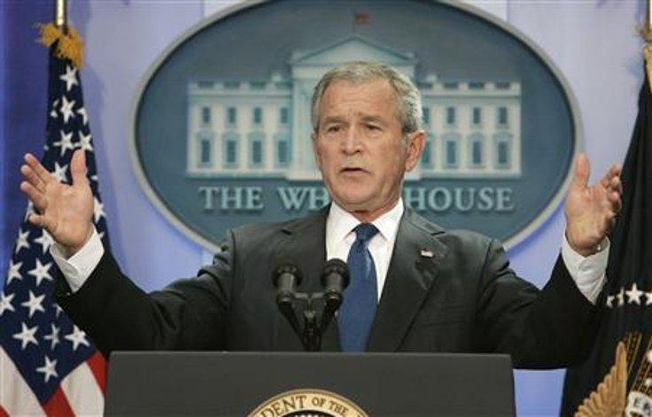 George W. Vush, 2000 seçimlerinde halk oylamasında rakibi Al Gore'un gerisinde kalmasına rağmen başkan seçilmişti.