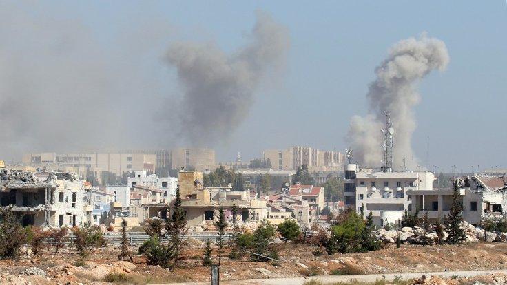 Suriye'deki iç savaşın önemli noktalarından Halep'te çatışmalar nedeniyle binlerce kişi mahsur kalmış durumda. (Fotoğraf: Reuters)