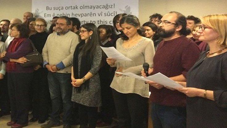 Barış bildirisine imza atan çok sayıda akademisyen KHK'ler ile üniversitelerden uzaklaştırıldı.
