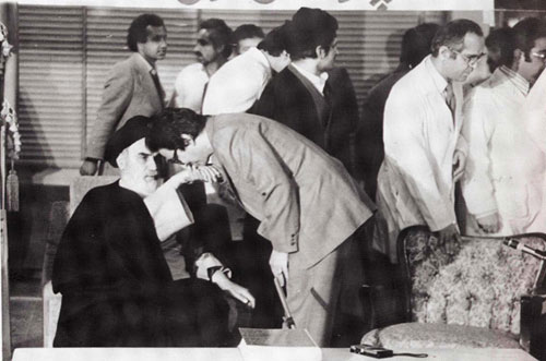 banisadr-dastboosi-khomeini