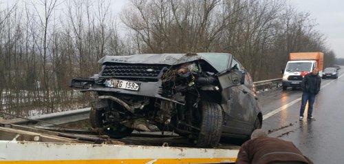 Sıla'nın içinde bulunduğu araç kazada büyük hasar gördü.
