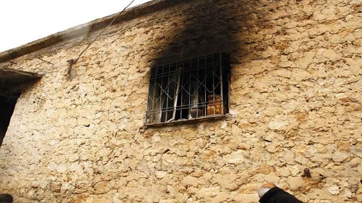 Abdi Aykut'un evi yakıldı.