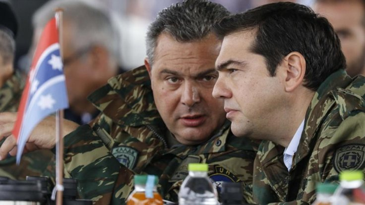 Yunanistan Milli Savunma Bakanı Panos Kammenos (solda)              ve Başbakan Aleksis Çipras. FOTOĞRAF: ARŞİV