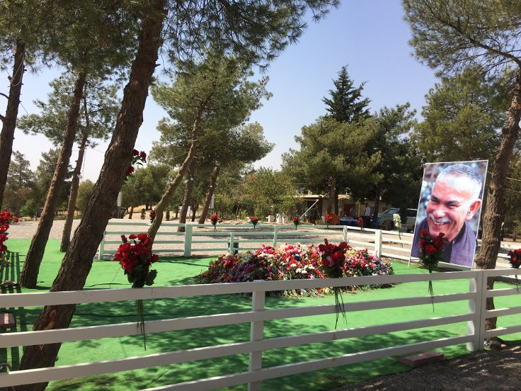 Newşêrwan Mustafa'nın mezarı...