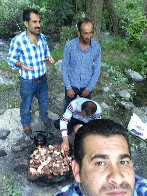 Tanrıkulu, resmi açıklamalarda önce PKK'li ilan edilen daha sonra da işbirlikçi oldukları söylenen kişilerin sivil olduğunu ve piknik yaptıklarını belirterek, vurulan kişilere ait bu fotoğrafı paylaştı.