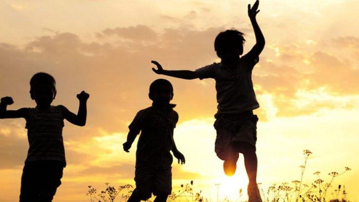 Fırtınadan Kaçan Çocuklar - okul çocukları için bir resim üzerine bir makale