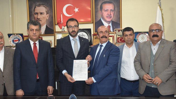 İYİ Parti'den istifa eden874 kişi, AK Parti'ye katıldı