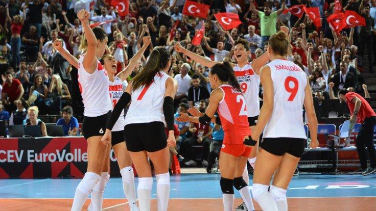 Turkiye Kadin Voleybol Takimi Yari Finale Yukseldi